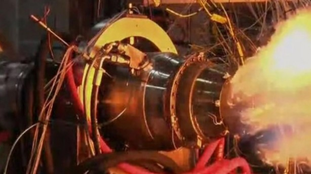 Foto - YERLİ FÜZENİN MOTORU TEST EDİLDİ Türkiye'nin orta menzilli ilk yerli füze motoru (TEI-TJ300), Eskişehir'de Sanayi ve Teknoloji Bakanı Mustafa Varank'ın katıldığı törende test edildi. Bakan Varank törende yaptığı açıklamada