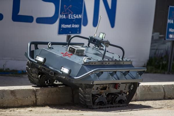 Foto - Bu kapsamda, Sürü Robotik Uçan Sistemler ile Robotik ve Otonom Kara Sistemleri alanlarında Ar-Ge çalışmaları gerçekleştiriliyor.