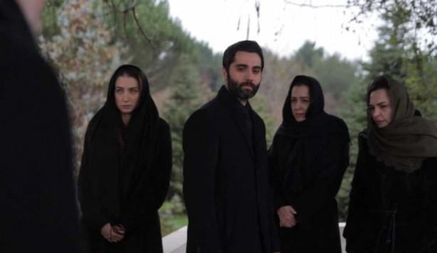Foto - Hikayenin nasıl bir şekil alacağı, Ozan Akbaba?nın ayrılıp ayrılmayacağı, başka hangi isimlerin diziye veda edeceği veya yeni karakterleri kimlerin oynayacağı gibi konular önümüzdeki 2 ay içinde netleşecek.