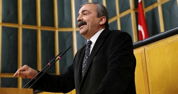 Foto - İyi Parti Genel Başkanı Meral Akşener, partisinin HDP'ye bazı konularda danıştığı yönündeki açıklamalara ilişkin HDP'li Sırrı Süreyya Önder'e 'O isimleri açıkla' çağrısı yapmıştı.