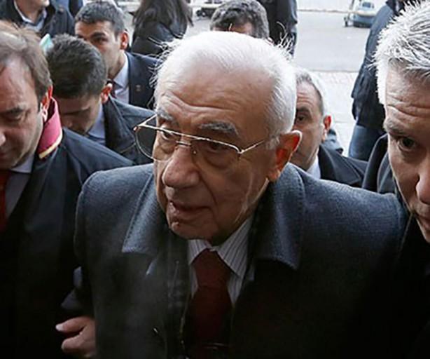 Foto - 30 Ağustos 1994 tarihinde atandığı Genelkurmay Başkanlığı görevinden 30 Ağustos 1998 tarihinde emekliye ayrılmıştır.
