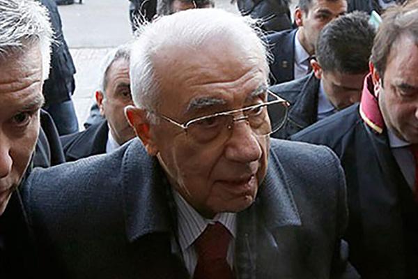 Foto - Türk Silahlı Kuvvetlerinin 22'nci Genelkurmay Başkanı, 28 Şubat döneminde Genelkurmay Başkanı görevinde olan ve ardından açılan davada yargılanan, daha sonra yaşlılığı ile hastalığı bahanesiyle adli kontrol şartıyla serbest bırakılan emekli Orgeneral İsmail Hakkı Karadayı öldü.