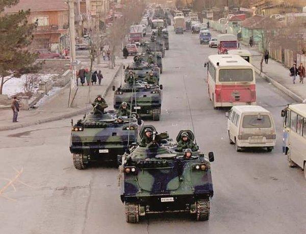 Foto - Müslüman askerleri ordudan tasfiye eden darbeciler, FETÖ'nün takiyye yoluyla TSK'da daha rahat yapılanmasını sağladı.
