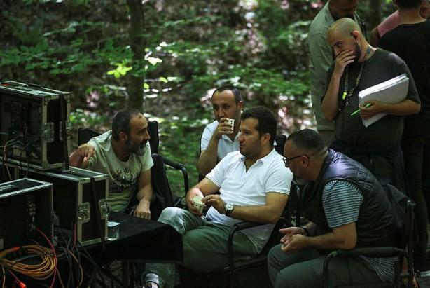 Foto - Yapım, proje tasarım ve senaryosu Mehmet Bozdağ'a ait; genel yönetmenliğini Metin Günay'ın ve başrolünü Osman Bey karakteriyle Burak Özçivit'in üstlendiği 'Kuruluş Osman', yeni sezonda da ATV ekranlarında çarşamba akşamlarına damgasını vurmaya devam edecek.