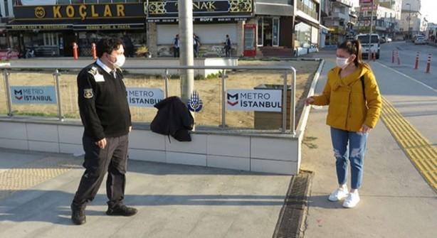 Foto - Metroya binmek isteyen bir vatandaş