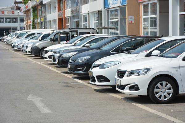 Foto - Bu bağlamda fabrikalarda sıfır model üretimler yapılmaya başlanınca ikinci el fiyatlarında da yavaş yavaş düşüş yaşanıyor. İşte 80.250 lira altı otomobil markaları...