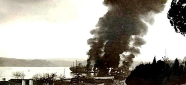 Foto - 1960'DA BOĞAZİÇİ'NDE YAŞANAN GEMİ FACİASI! 1960'ta World Harmony ve Peter Zoranic adlı iki tanker kanlıca yakınlarında iletişimsizlik sebebiyle kaza yaşandı. Kazanın ardından tutuşan petroller yangının geniş alanlara yayılmasına sebep oldu. 51 denizci hayatını kaybetti. Kazada denize yaklaşık 20 bin ton petrol döküldü. Cesetler günler sonra kıyılara vurdu. Toplam 56 gün süren gemi yangını boğazı adeta kasıp kavurdu. Boğaz'ın Anadolu ve Avrupa yakasında oturanlar yaklaşık 3 ay korkuyla yaşadı.