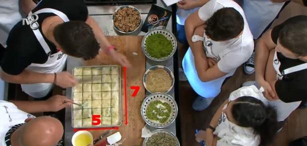 Foto - Buna kanıt olarak da Somer Şef'in fırına attığı baklava dilimlerinin sayısını gösterildi.