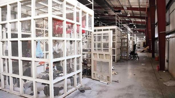 Foto - ÇELİK KAFESLER Bagram Cezaevi'nde mahkûmlar 'tehlike' düzeylerine göre bu çelik kafeslerde tutuluyordu.