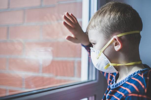 Avrupa'da, beş yaşında altında bazı çocuklarda Kawasaki hastalığının tespit edilmesi sonrası Kawasaki hastalığı merak edilir oldu. Bir virüs yüzünden olduğu tahmin edilen Kawasaki hastalığı ile corona virüsü arasındaki ilişki incelenmeye başlandı. Peki, Kawasaki hastalığı nedir? Kawasaki belirtileri nelerdir? İşte cevaplar…