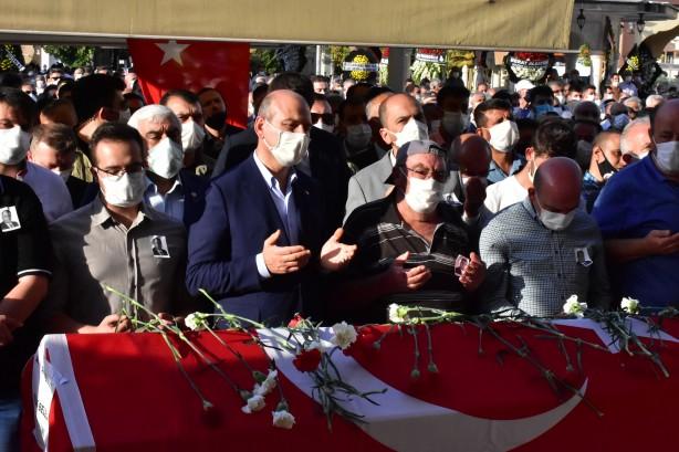 Foto - Bulut'un cenazesi, Gaziantep'teki işlemlerin ardından Kilis Belediyesi binası önüne getirildi.