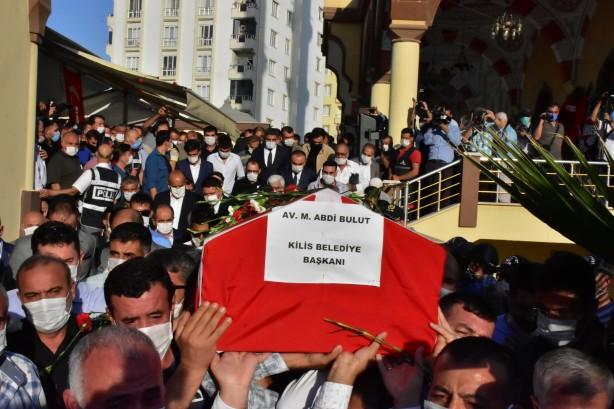 Foto - Gaziantep Üniversitesi Şahinbey Araştırma ve Uygulama Hastanesi Yoğun Bakım Ünitesi'nde bir süredir tedavi gören 53 yaşındaki Kilis Belediye Başkanı Mehmet Abdi Bulut, müdahalelere rağmen bu sabah yaşamını yitirmişti.