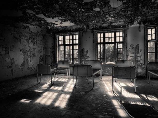 Korkun 231 G 246 R 252 Nt 252 Leriyle Terk Edilmiş Akıl Hastaneleri