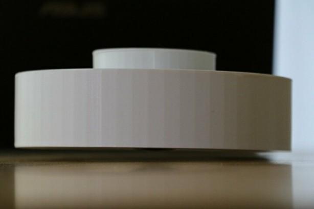 Foto - Yerden 1 buçuk santimetre yükseğe çıkan süpürgenin AR-GE çalışmaları ise devam ediyor. Statik elektrikle çalışan ve havadan kalması manyetik sayesinde gerçekleşen uçan süpürgenin seri üretime geçirilmesi için destek bekleniyor.