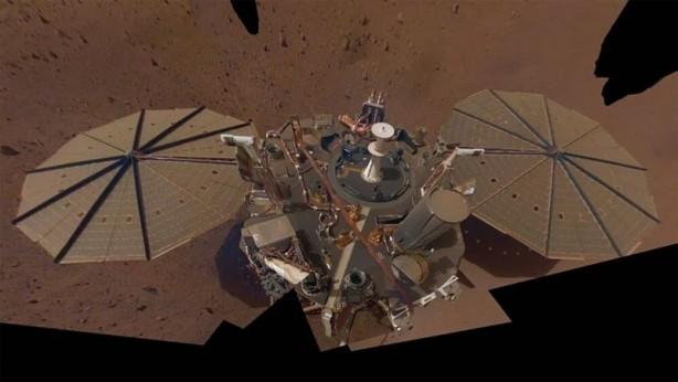 Foto - Öte taraftan, InSight Kasım 2018'de Kızıl Gezegen'in jeolojik yapısını araştırma göreviyle Mars ekvatorunun yakınına indi.