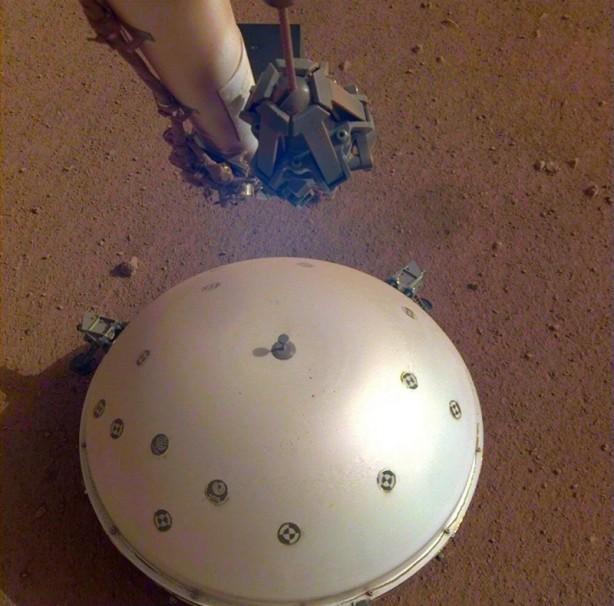 Foto - ntv.com.tr'de yer alan habere göre; NASA'nın InSight uzay aracı Mars'ta 25 Ağustos'ta 4,2 ve 4,1 büyüklüğünde iki deprem kaydettiğini duyurdu.