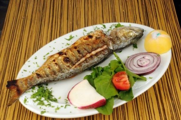 Balık, ızgara et, sebze ve meyveler bol tüketilmeli.