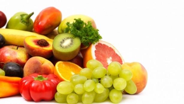 Yazın vazgeçilmez tatlarını nasıl tüketmek gerek? Çilek; rengi ve kokusu ile yaz aylarının vazgeçilmezlerindendir.