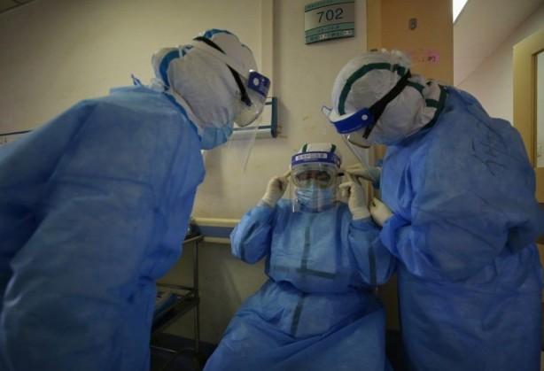 Foto - Bunun yanında, İngiltere'nin geçtiğimiz aylarda Çin'den ithal ettiği tıbbi malzemelerde koronaviürs tespit edilmişti.