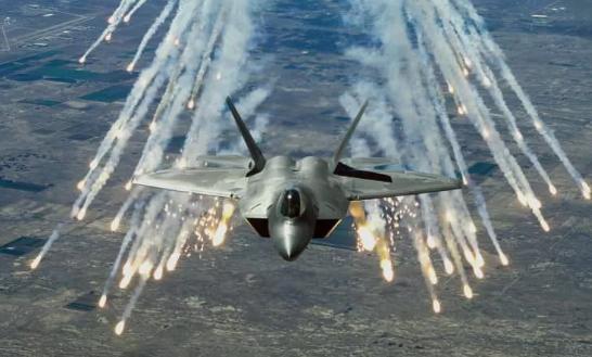 Foto - Lockheed Martin tarafından üretilen bu uçak sadece ABD'nin kendi ordusu tarafından kullanılıyor.
