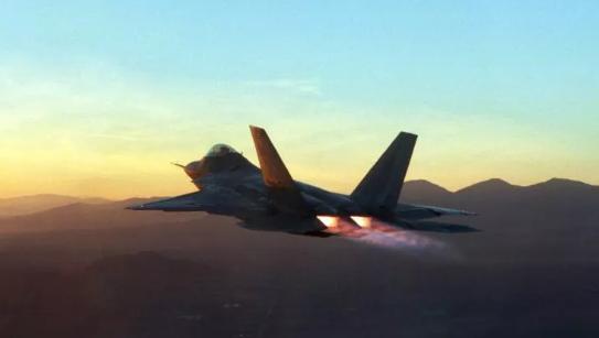 Foto - Rutin eğitim uçuşu gerçekleştiren F-22'nin, Eglin hava üssüne 20 kilometre mesafede düştüğü bildirildi.