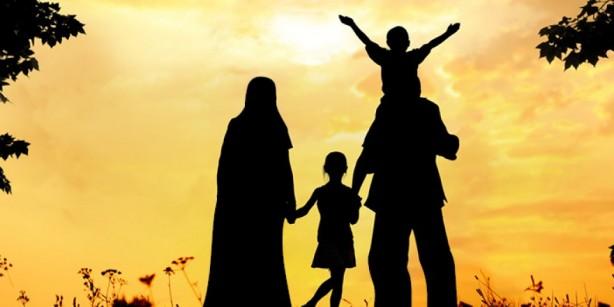 Foto - EŞ VE ÇOCUKLARIN GEÇİMİ: İslâm'da aile reisi olarak kadının ve çocukların geçimini sağlamak görevi erkeğe verilmiştir. Ayrıca, anne, baba, kardeşler ve diğer hısımlar bakıma muhtaç duruma düşünce,