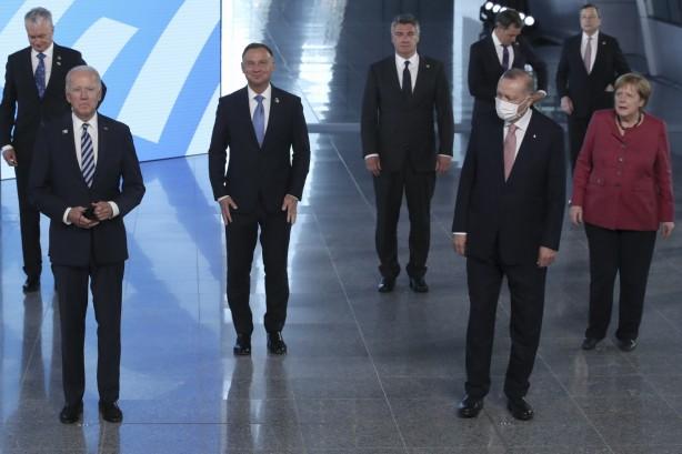 Foto - NATO Genel Sekreteri Jens Stoltenberg, zirve öncesi devlet ve hükümet başkanlarını resmi olarak karşıladı.