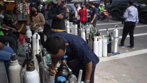 Foto - Endonezya Sağlık Bakanlığı yetkilisi Siti Nadia Tarmizi, gaz endüstrisinden tıbbi oksijen üretimini hızlandırmasını istediklerini belirterek halkı sıvı oksijen stoku yapmamaya davet etti.