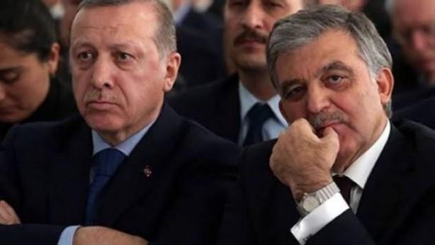 Foto - Bir önceki Abdullah Gül'ün de 2023 Cumhurbaşkanlığı Seçimleri ile ilgili tahminlerde ismi geçiyor. Eski Cumhurbaşkanı Abdullah Gül'ün, Cumhurbaşkanı Erdoğan'la rakip olması ve son tura birlikte kalmaları halinde kime oy verirsiniz? Sorusuna %46,7 Erdoğan derken %20,4 Abdullah Gül'e oy veririm dedi.