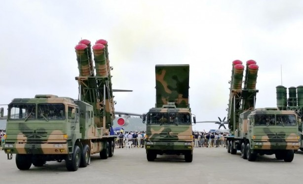 Foto - - Entegre hava savunma sistemleri: Çin, Rus yapımı S-400 ve S-300'lerle birlikte yurt içinde üretilen sistemler dahil, dünyanın en büyük gelişmiş uzun menzilli karadan havaya sistemleri ve yedekli entegre hava savunma sistemine sahiptir.