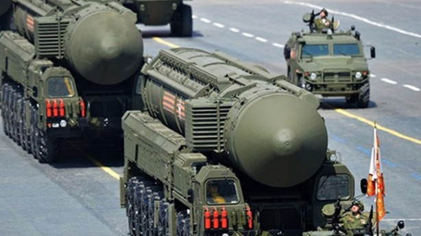 Foto - - Kara tabanlı konvansiyonel balistik ve seyir füzeleri: Çin, 1.250'den fazla yerden fırlatmalı balistik füzeye ve 500 ile 5.500 kilometre arasında menzile sahip yerden fırlatılan seyir füzelerine sahiptir. Amerika Birleşik Devletleri şu anda 70 ila 300 kilometre menzile sahip ve bir tür geleneksel karadan havaya füze sistemi kullanıyor.