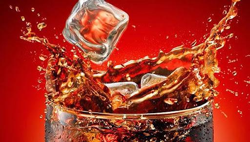 Foto - Çin'de 10 dakika içerisinde 1,5 litrelik kola içen genç, 6 saat sonra fenalaşarak hastaneye kaldırıldı.