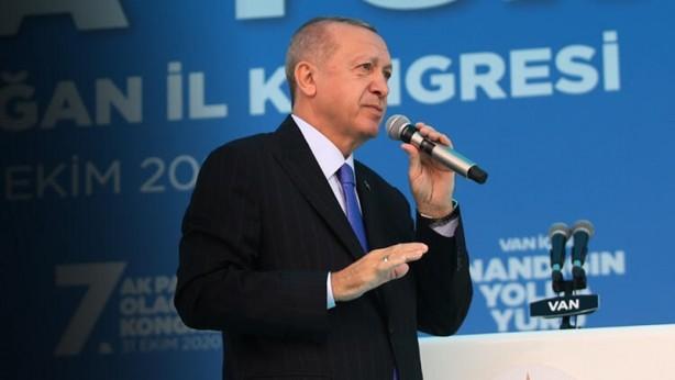 Foto - Cumhurbaşkanı Erdoğan dün AK Parti 7. Olağan İl Kongresi için Van'daydı. Gün içinde ise önce İçişleri Bakanı Süleyman Soylu'nun, ardından da Cumhurbaşkanlığı Sözcüsü İbrahim Kalın'ın koronavirüse yakalandığı ortaya çıktı.