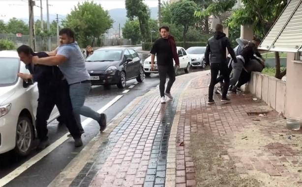 'Taciz' iddiası! Tekme tokat dövdüler