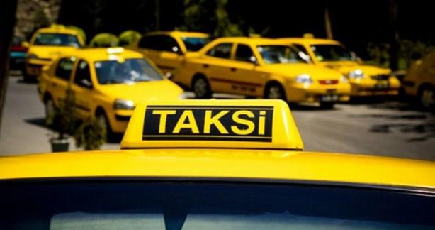 Foto - Ticari taksi şoförleri, kişisel hijyen kurallarına uygun şekilde hareket edecek, araç içinde mutlaka maske kullanacak Ticari taksilerde, gün içerisinde araca binen her müşterinin kullanımına yetecek ölçüde dezenfektan malzeme veya 80 derecelik kolonya bulundurulacak.