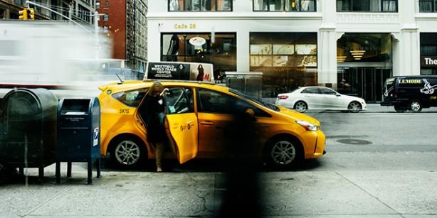 Foto - Hizmet sunulan her müşteriden sonra trafik kurallarına uygun bir alanda müşterilerin fiziksel temas edebileceği yerler dezenfekte edilecek, araç içerisinin havalandırılması sağlanacak.