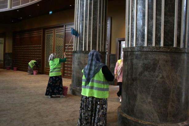 Foto - İçerisinde otopark, konferans ve sergi salonlarının da yer aldığı, 2 bin 250 kişinin aynı anda namaz kılabileceği cami, 2 bin 482 metrekare arsa alanına, yaklaşık 16 bin 500 metrekare de inşaat alanına sahip.