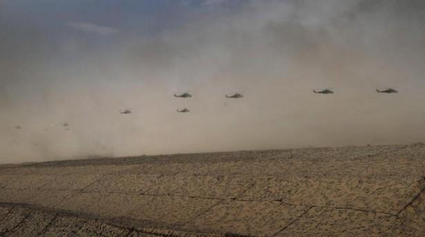 Tanklar, savaş uçakları, İHA'lar... Rusya harekete geçti