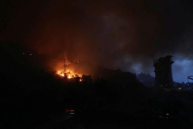Foto - Bunun ardından terminalin alarmı çalmaya başladı. Bu arada patlamaların da yaşandığı bölgede elektrikler kesildi.