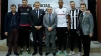 Beşiktaş yeni transferleriyle sözleşme imzaladı