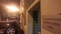 Beyoğlu'ndaki camiler meyhane kıskacında