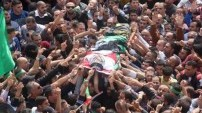 Binlerce Filistinli bu cenazede