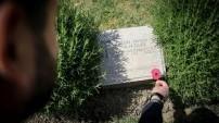 Çanakkale'de 103 yıl önce ölen yakının mezarı duygulandırdı