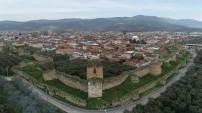 Tarihi bir yapı: İznik Surları