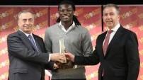 Yılın futbolcusu Gomis seçildi
