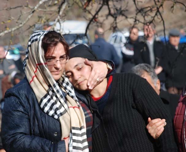 Tokat'ta yürek yakan görüntü! Kefenleriyle taşıdılar