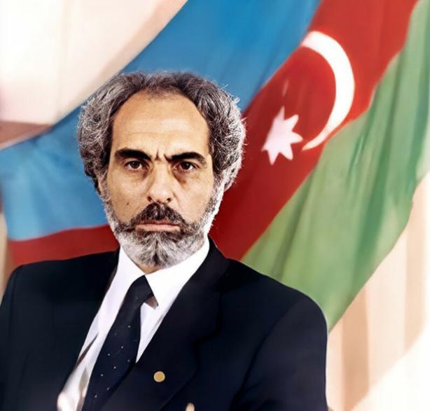 Foto - (Ebulfez Elçibey) Azerbaycan Cumhurbaşkanlığı yapan Ebulfez Elçibey de Haydar Aliyev de Nahçıvanlılar. Haliyle şu anki Azerbaycan Cumhurbaşkanı olan Haydar Aliyev'in oğlu İlham Aliyev'in de memleketi.