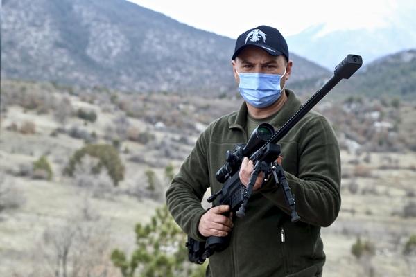 Foto - Kooperatif, 500'e yakın çalışanıyla ürettiği tüfekleri, Asya, Avrupa ve Uzak Doğu'da 65 ülkeye ihraç ediyor.