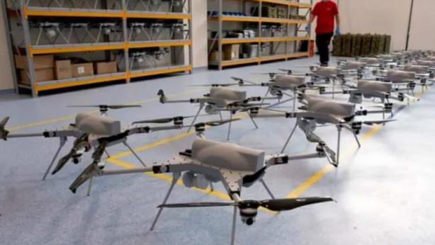 Foto - Konuyla ilgili değerlendirmelerde bulunan Savunma Sanayi Araştırmacısı Kadir Doğan, S-300 gibi hava savunma sistemlerini dahi vurabilen kamikaze dronelarının çatışmalarda kritik bir rol üstlendiğini söyledi: