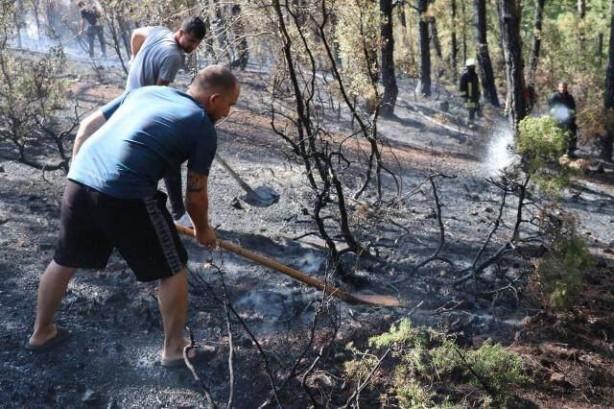 Foto - Manavgat'taki yangını söndürmek için ekiplere destek verdiğini ifade eden Ali Poyraz,